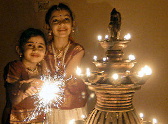 diwali festival in india essay Essay on diwali – the festival of lights article shared by india is a land of festivals and fairs  essay on diwali.
